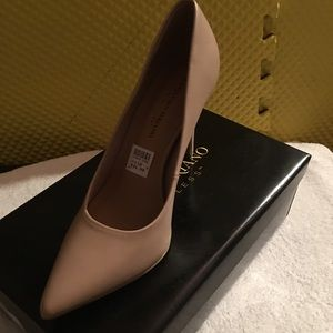 Gorgeous  Tan heels NWT comfortable shoes